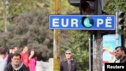 Zeleno svetlo na znaku Evropa - ilustracija