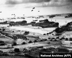 Высадка в Нормандии. Снимок из Национальных архивов США