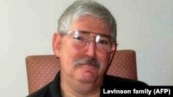 აშშ-ის FBI-ის ყოფილი აგენტი, რობერტ ლევინსონი 2007 წელს
