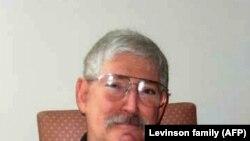 Федерал қидирув бюросининг собиқ агенти Боб Левинсон.