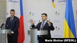 Томаш Петржічек, чеський міністр закордонних справ на прес-конференції з українським колегою Павлом Клімкіним