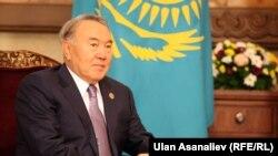 Қазақстан президенті Нұрсұлтан Назарбаев Шанхай ынтымақтастығы ұйымының саммитінде. Бішкек, 13 қыркүйек 2013 жыл.