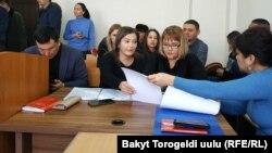 Адвокаты семьи Матраимовых. Свердловский районный суд Бишкека, 29 января 2020 года.
