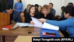 Матраимовдордун үй-бүлөсүнүн адвокаттары.