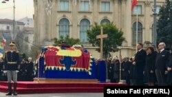 La ceremoniile funerare de la București