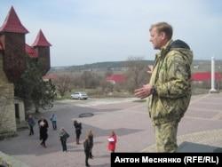 Несмотря на то, что Олег Зубков приветствовал аннексию Крыма Россией, украинские власти полуострова он считает более адекватными, чем сменивших их российских и местных чиновников