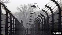 Нацистік билік құрған Освенцим концентрациялық лагері. (Көрнекі сурет)