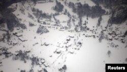 Selo u BiH izolovano snijegom, 6. februar 2012.