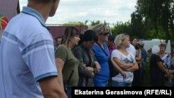 Жители Чемодановки после трагической гибели одного из участников конфликта, июнь 2019