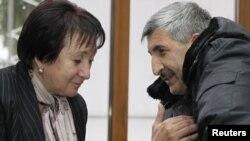 Алла Джиоева во время встречи с главой МВД Южной Осетии Валерием Валиевым 28 ноября