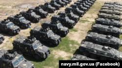 Бронеавтомобілі вітчизняного виробництва «Козак 2» поставлено на озброєння української морської піхоти. Полігон «Олешківські піски» на Херсонщині, червень 2021 року