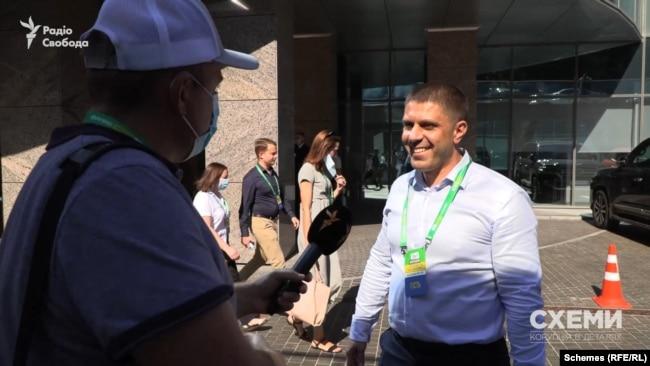 Сам народний депутат Копитін заперечив «Схемам», що його брат є радником підкомітету, який він очолює