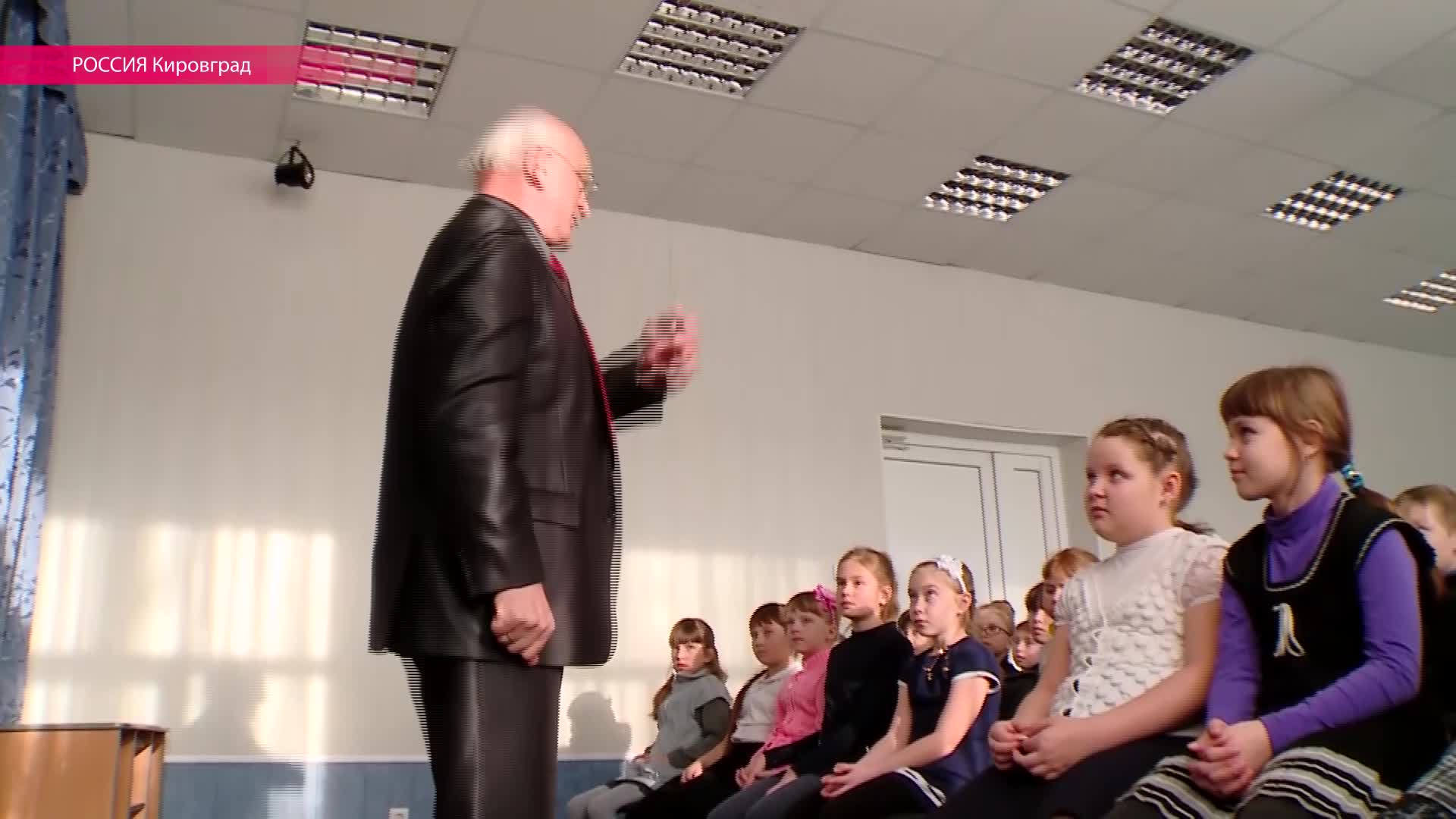 Пропаганда пришла в школы: уральским детям за 70 рублей читали лекцию про распятого мальчика