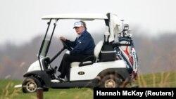 Едно от любимите занимания на Доналд Тръмп е играта на голф.