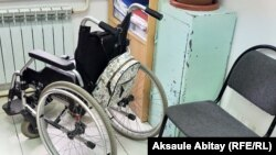 Инвалидная коляска в службе инватакси. Тараз, 17 сентября 2020 года.