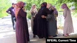 Вдовы и матери погибших в Оше