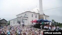 Sa otvaranja džamije u Piljužićima, juli 2010.