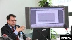 Владимир Школников, раиси бахши аврпуоии созмони Freedom House. Прага, Радиои Озодӣ, 30 июни соли 2009.