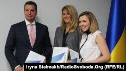 Айварас Абромавичус, його заступник Наталія Микольська і директор інвестиційного фонду Horizon Capital Олена Кошарна