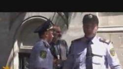 İran səfirliyi qarşısında etiraz aksiyası