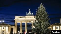 Бранденбургские ворота многие десятилетия символизировали раздел Берлина и Германии