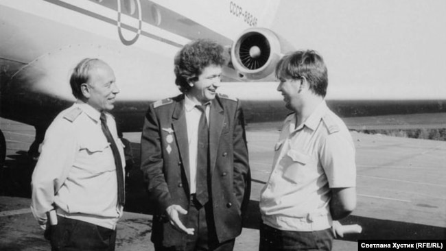 Сергей Пестерев (слева) – бортмеханик Ачинского авиаотряда. 1980-е гг.