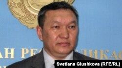 Қазақстан ішкі істер министрлігі өкілі Бақыт Өмірсейітов. Астана, 18 шілде 2012 жыл.