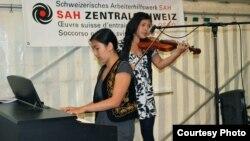 Швейцариядагы кыргызстандык жаш музыканттар Биримкулова эже-сиңдилер, Лүцөрн шаары.