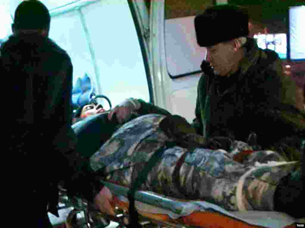 Russia -- A man injured in Mi-8 helicopter crash in Altai, south Siberia, 13Jan2008