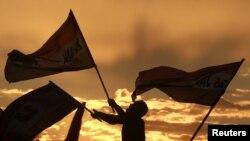 Мисыр оппозициясе Тәхрир мәйданында әләмнәр болгый