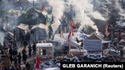 Киев. Майдандагы нааразылыкка чыккандар. 24-январь