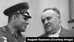С Ю. Гагариным. Сочи, май 1961 года.