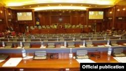 Izabrani poslanici prvog dana nisu uspeli da izaberu predsednika i pet potpredsednika Skupštine