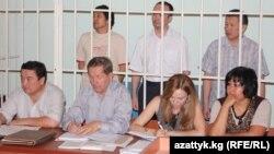 Солдон онго карай: Алмазбек Абеков, Азамат Мурзалиев жана Аман уулу Кенжебек. 10-август, 2012-жыл
