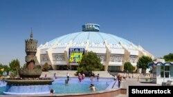 По словам дрессировщика Азамата Хусинова, в «Узбекском государственном цирке» не было условий для раздельного содержания хищников и обезьяны.