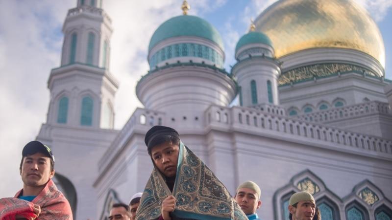 نن افغانستان او په ډېری اسلامي هېوادو کې د کوچني اختر لومړۍ ورځ ده