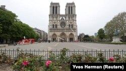 Ֆրանսիա - Փարիզի Աստվածամոր տաճարը հրդեհից հետո, 16-ը ապրիլի, 2020թ.