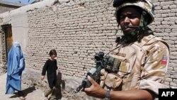 Британски војник во Авганистан.