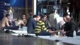 Лағви парвозҳо зиндагии муҳоҷиронро ба ҳам зад