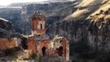 Հռիփսիմյանց կույսերի վանքը, Անիի ավերակներ