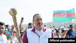 Prezident Oyunların məşəlini qəbul edir, 7 iyun, 2015-ci il