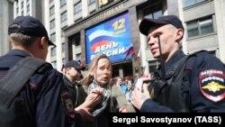Задержания на акции против реновации у Госдумы