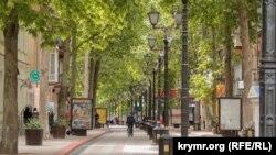 Улица Ленина в Керчи