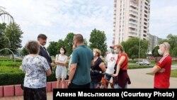 Кіраўнік завода беленай целюлёзы Юры Крук сустрэўся з жыхарамі Светлагорска, 21 чэрвеня