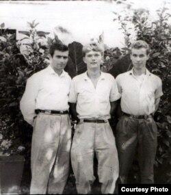 Савецкія «кансультанты» (Мікалай Трухан — першы справа)