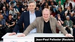 Сергій Лозниця (зліва) і виконавець однієї з головних ролей у фільмі «Донбас» Борис Каморзін у Каннах