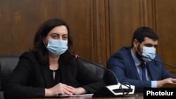 Armenia - Parliament deputies Lena Nazarian and Arman Yeghoian hold a news conference, November 19, 2020.