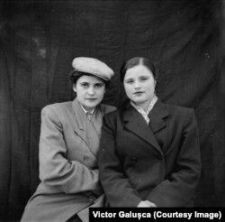Tamara Cușnir (dreapta)