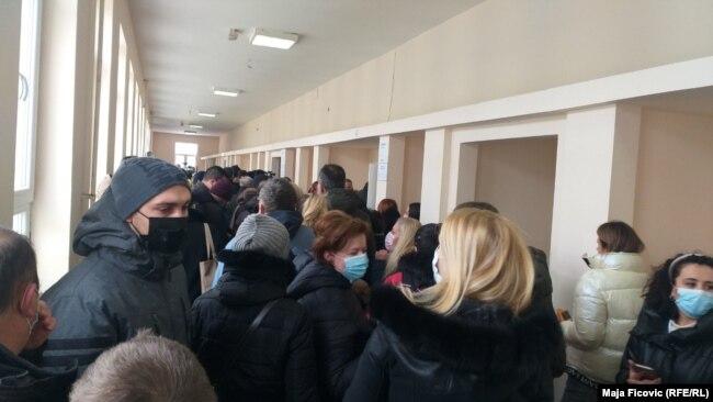 Një qendër votimi në Mitrovicën e Veriut