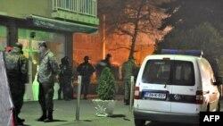 На месте проведения полицейского рейда в окрестностях Сараево. 18 ноября 2015 года.